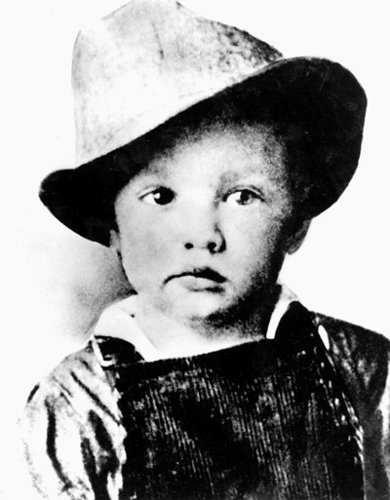 Elvis Presley kertas dinding with a fedora entitled Elvis As A Child