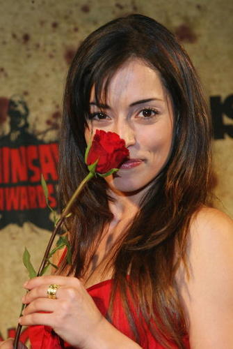 Emmanuelle Vaugier wallpaper entitled Emmanuelle
