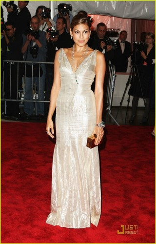 Eva Mendes - MET Costume Institute Gala 2009