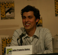 John at Comic Con with 'Bones' - john-francis-daley photo