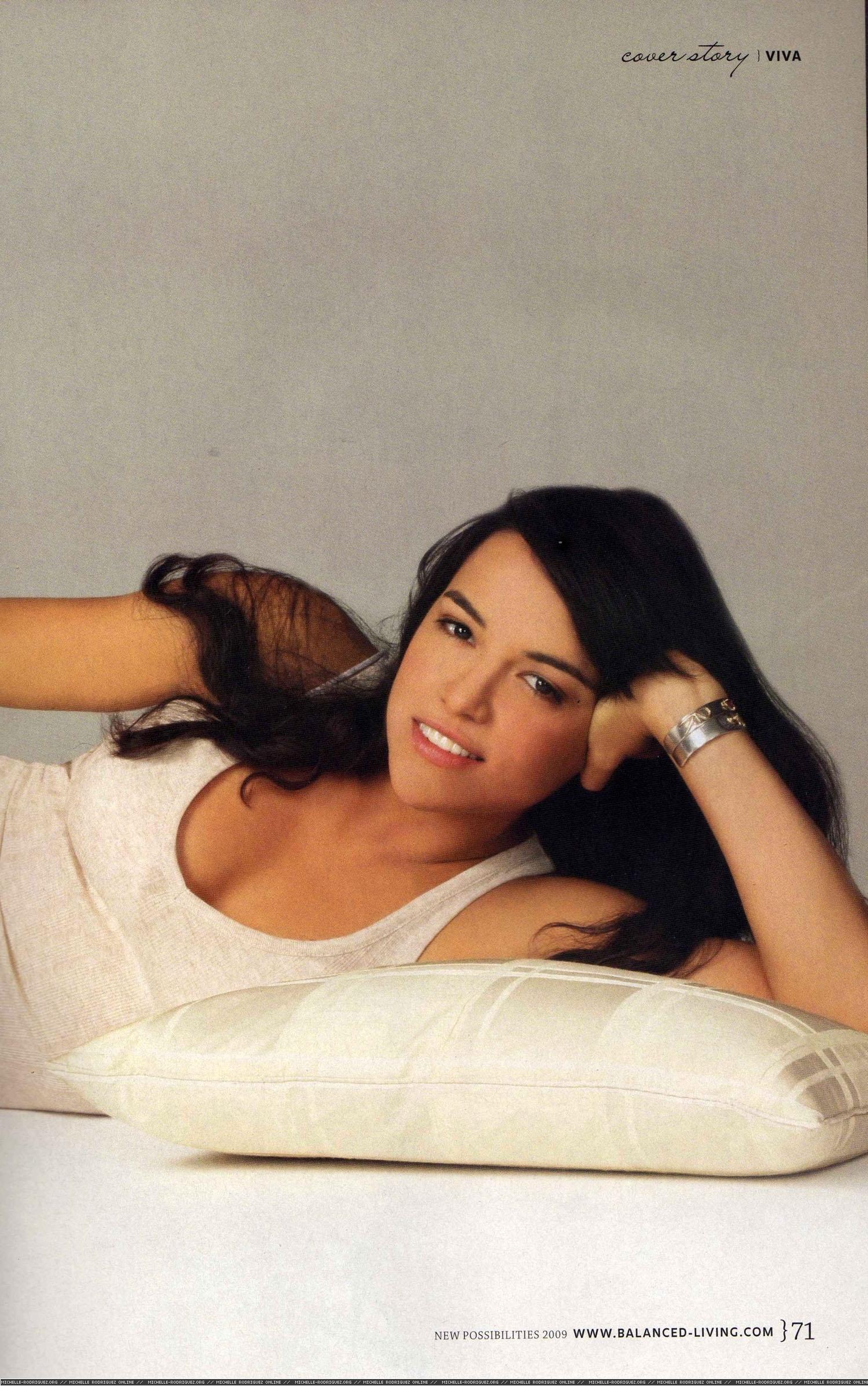 Michelle in Viva Magazine [4]