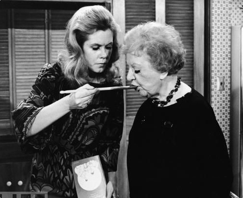 Samantha and Aunt Clara - bewitched Photo