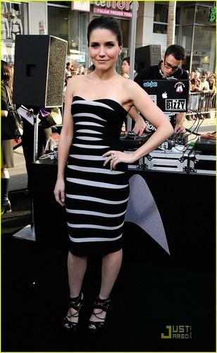 Sophia Bush at the Star Trek premiere (April 30)