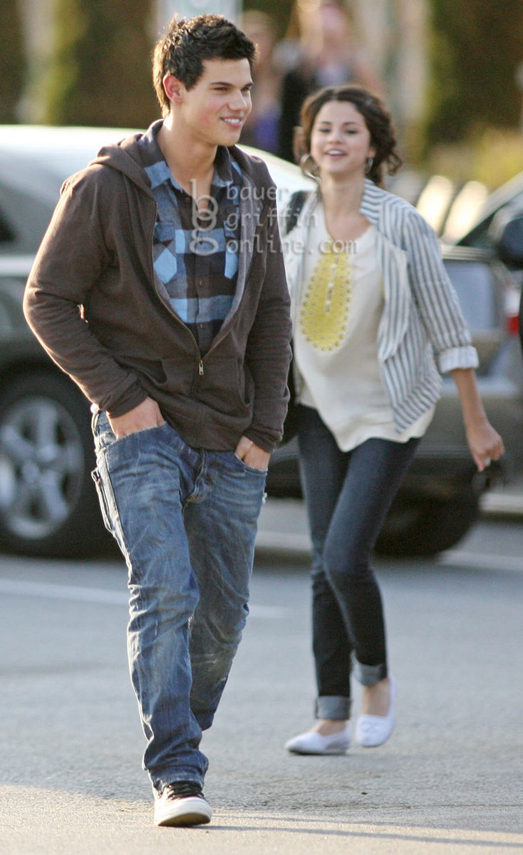 Did Selena Gomez and Taylor lautner date