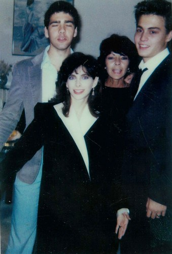 Wedding with Lori Anne Allison (1983) - johnny-depp Photo