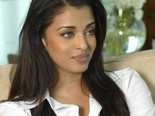 Aishwarya Rai kertas dinding containing a portrait titled ash