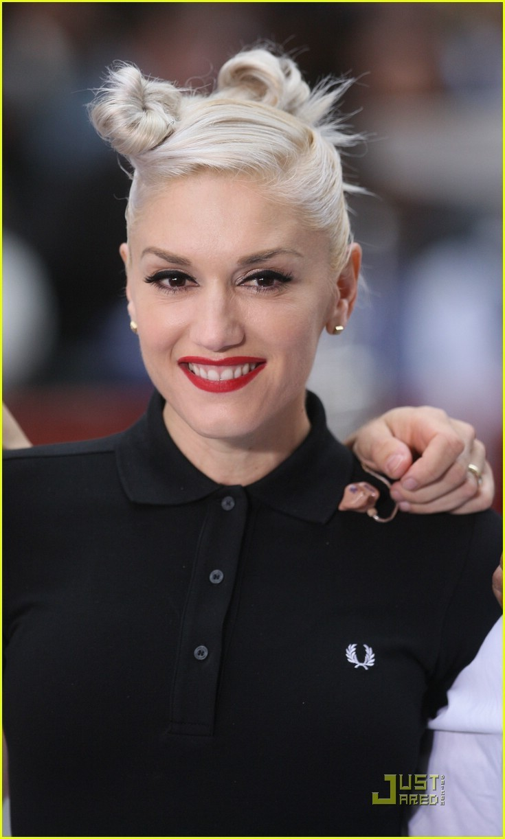 Gwen Stefani - Gallery Photo