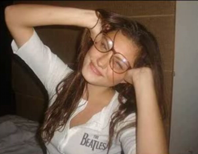 phoebe with glasses