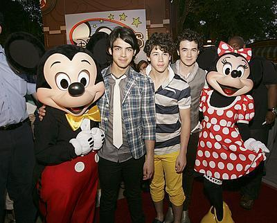 the jonas brothers,mickey,and minnie!