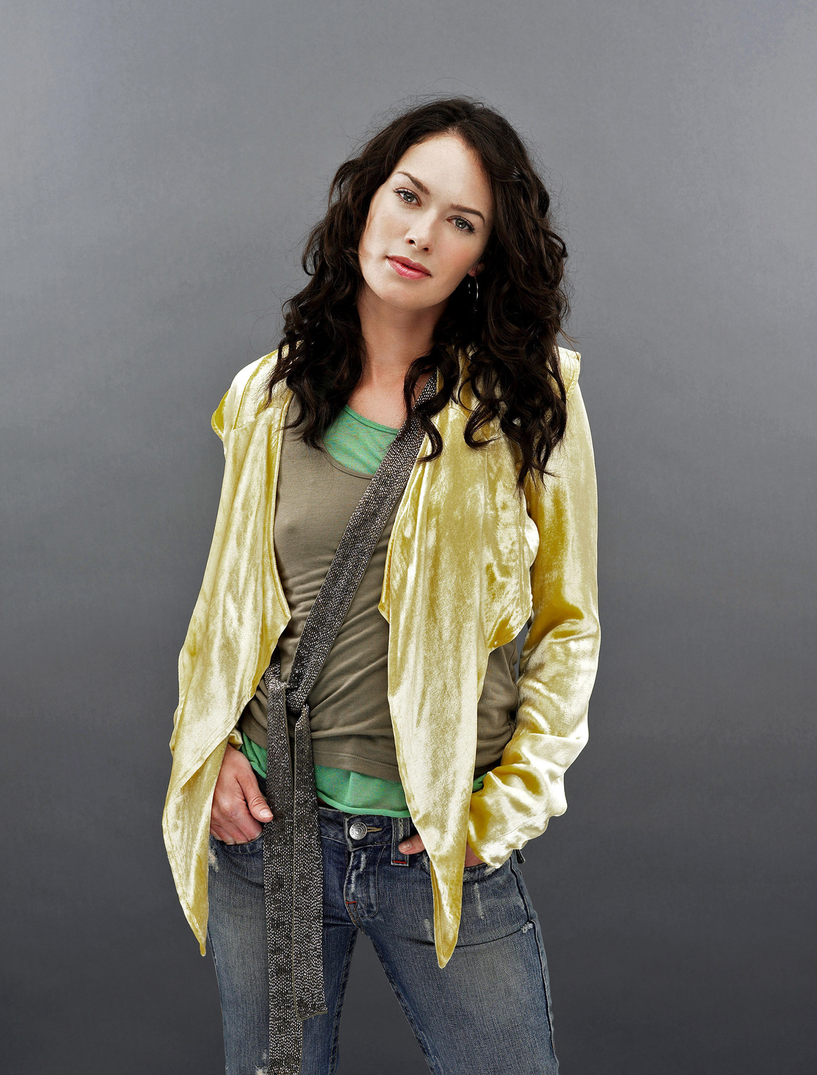 lena headey white collar