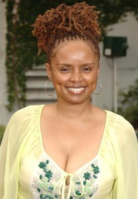 Angie Hubbard played por Debbi morgan
