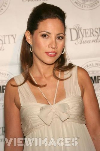 Carmen Morales played によって Elizabeth Rodriguez
