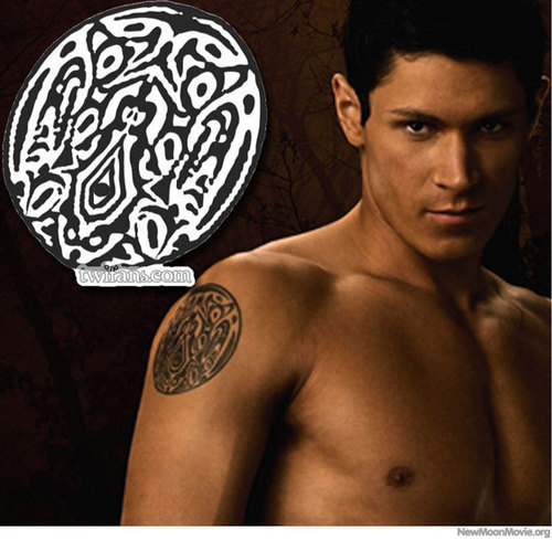 Closer Look at New Moon serigala, wolf Pack Tattoo