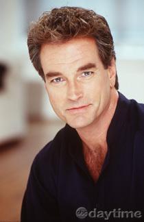 Edmund Grey played por John Callahan