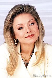 Hayley Santos played kwa Kelly Ripa