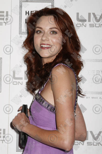 Hilarie Burton natural hair color