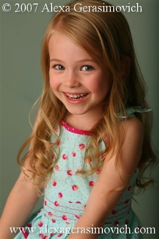 Kate Martin, Tad & Dixie's daughter played by Alexa Gerasimovich