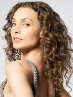 Kendall Hart played por Alicia Minshew