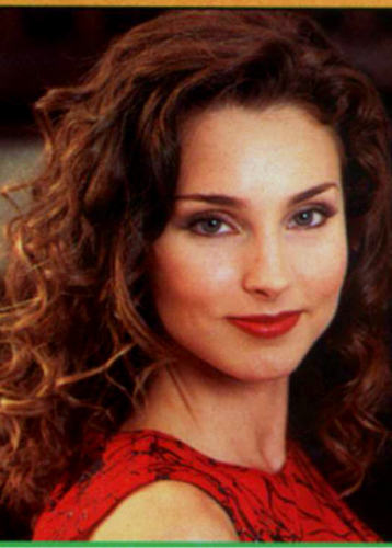 Kendall Hart played によって Alicia Minshew