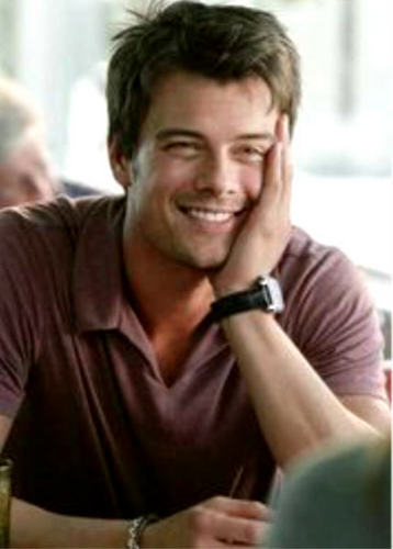 Leo DuPrea played 由 Josh Duhamel