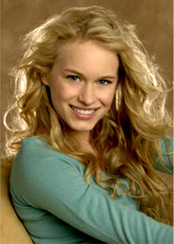 Lily Montgomery played par Leven Rambin