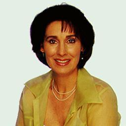 Mary Smythe, Greenlee's mom played kwa Anna Stuart