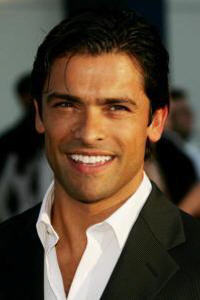 Mateo Santos played 의해 Mark Consuelos