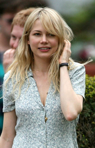 Michelle on the set of Blue Valentine