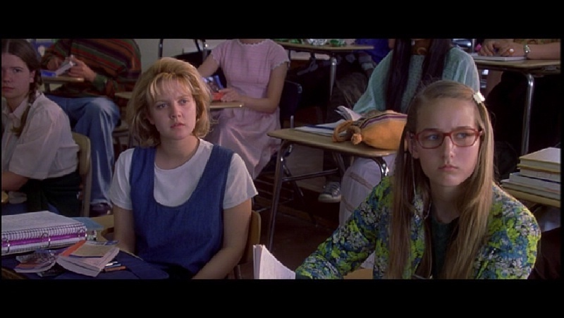 never been kissed movie review Never been kissed implies that a girl can become a women without kissing boys and still find true love eventually thats a strong and overlooked message the movie confronts defeat, being a geek, and reinventing oneself.