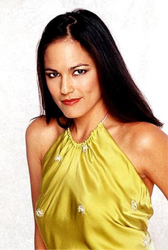 Simone Torres played 由 Terri Ivens