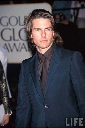 Tom Cruise Hintergrund with a business suit, a suit, and a three piece suit titled Tom Cruise