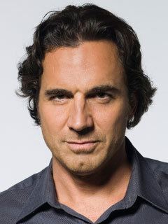 Zach Slater played oleh Thorsten Kaye