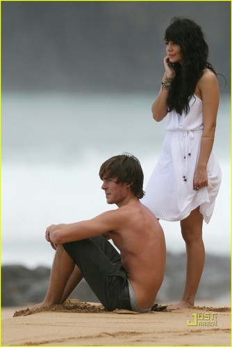 Zanessa* - zac-efron-and-vanessa-hudgens Photo