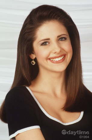 the first Kendall played sejak Sarah Michelle Gellar