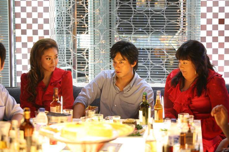 200 pounds beauty But then again, 200 pounds beauty is so much more on the surface it is already a great movie the fat girl protagonist hanna is very cute and kind, later she turns into beautiful and thin but still kind and innocent jenny.
