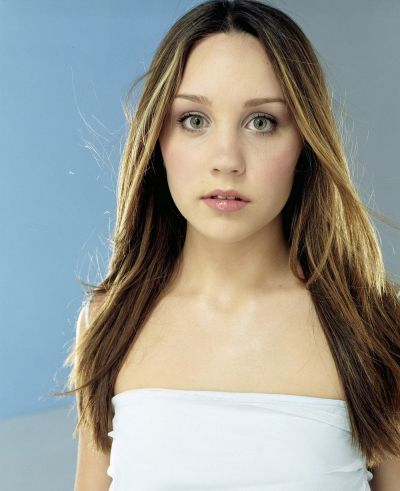 amanda bynes wallpaper containing a portrait and attractiveness called Amanda Bynes