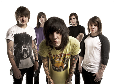 Bring Me The Horizon karatasi la kupamba ukuta possibly containing a sign, a jersey, and a leisure wear titled BMTH♥