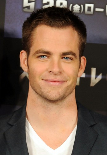 Chris Pine wallpaper containing a business suit, a suit, and a dress suit entitled Chris Pine