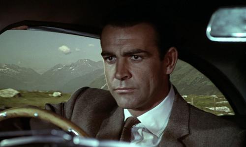 James Bond fondo de pantalla with a business suit entitled Goldfinger