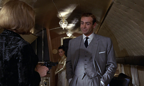 James Bond fondo de pantalla with a business suit entitled Goldfinger