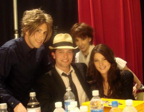 Jackson Rathbone & Ashley Greene wallpaper called J&A<3