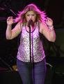 Kelly Clarkson is Fat