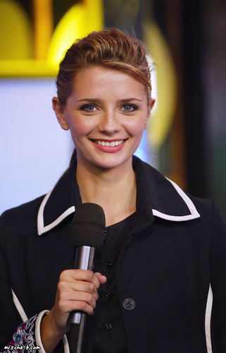 Mischa on TRL - Oct 29, 2003