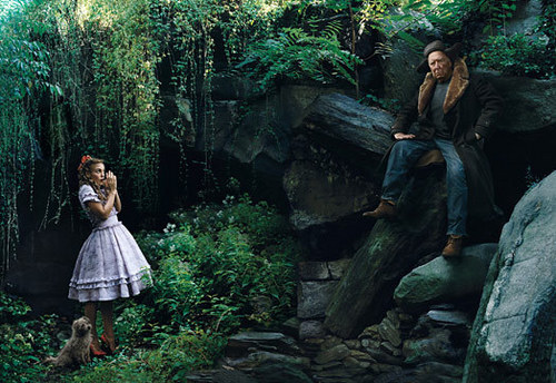Annie Leibovitz wallpaper containing a sitka spruce, a mahogany, and a beech entitled Oh, My!