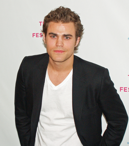 Paul Wesley cast as Stefan