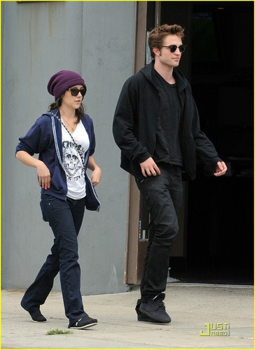 Rob in Beverly Hills With ?