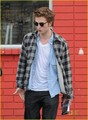 Rob leaving studio in L.A - twilight-series photo