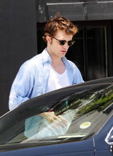 Rob leaving studio in L.A
