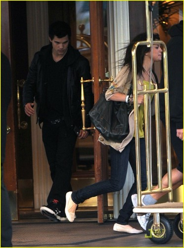 Selena Gomez and Taylor Lautner abendessen datum