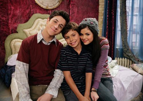 Selena/Jake On Set